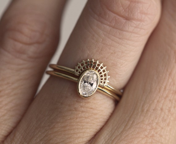 Lace Diamond Wedding Set Oval Engagement Ring Simple Crown