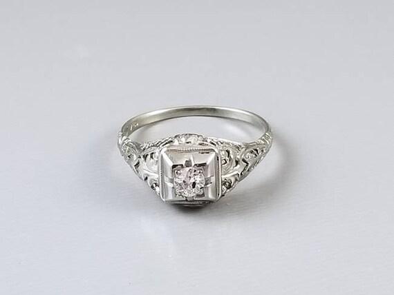 Antique Art Deco 18k white gold .18ct European cut diamond filigree solitaire engagement ring, size 8, 1920s