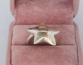 Funky .925 Sterling Silver Star Ring Sz 7 1/4