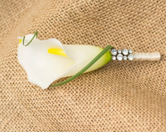 Calla Lilly Boutonniere (For groom/groomsmen)