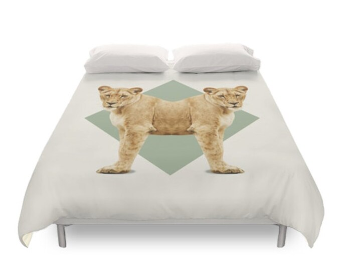 Lionesses Duvet Cover - Double Animals