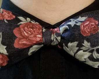 Vintage Roses Bowtie, Adjustable