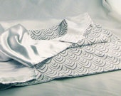 White and Feather Print R...