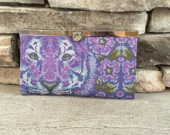 Diva Frame Clutch Wallet