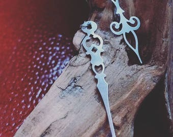 Lightweight Metal Clockhand Earrings