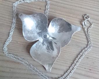 Vintage handmade flower pendant and chain
