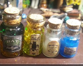 4 1/12 potion pots for doll houses and witch or wizard stores