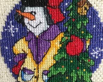 Bonhomme de neige avec arbre de Noël