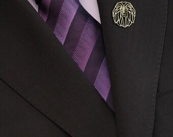 Lion brooch - gold.