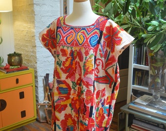 Stunning vintage 1950s Mexican hand embroidered caftan dress M / L medium large hippie festival