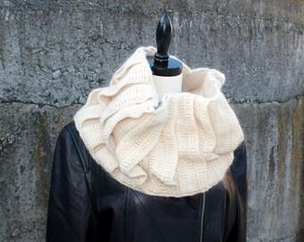 Crochet Pattern-- Nesting Cowl --Crochet Pattern