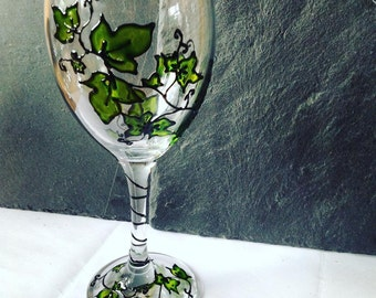 1 Ivy Wine Glass / Hand Painted Glass/ Wine Glass / Unusual Gift / Personalized / Gift Idea / Ivy / Plant gifts
