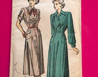 Vintage 1940's Advance Pattern Dress Size 16 Bust 34 Hip 37 Dresses  No. 4883