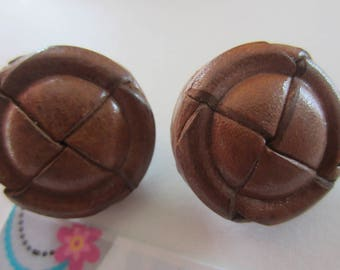 round button 2.6 cm leather clasp leather on the back