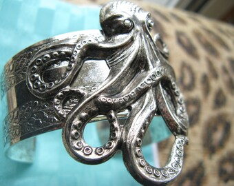 Octopus bracelet silver cuff Steam punk Octopus jewelry Chunky cuff bracelet MyElegantThings