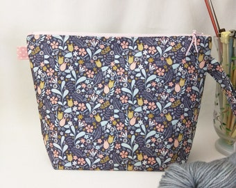 Medium Wide-Mouth Wedge Bag with Organizer Pockets - Blackbird MADE TO ORDER