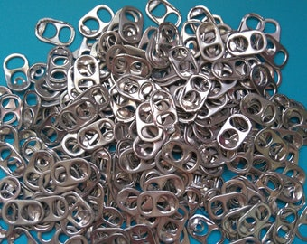 200 caps of silver aluminum cans