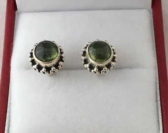 Silpada Peridot Fine Sterling Silver Post Pierced Earrings Silpada Symbol