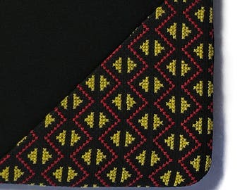 Sleeve for iPad with artesanal triangles embroidery