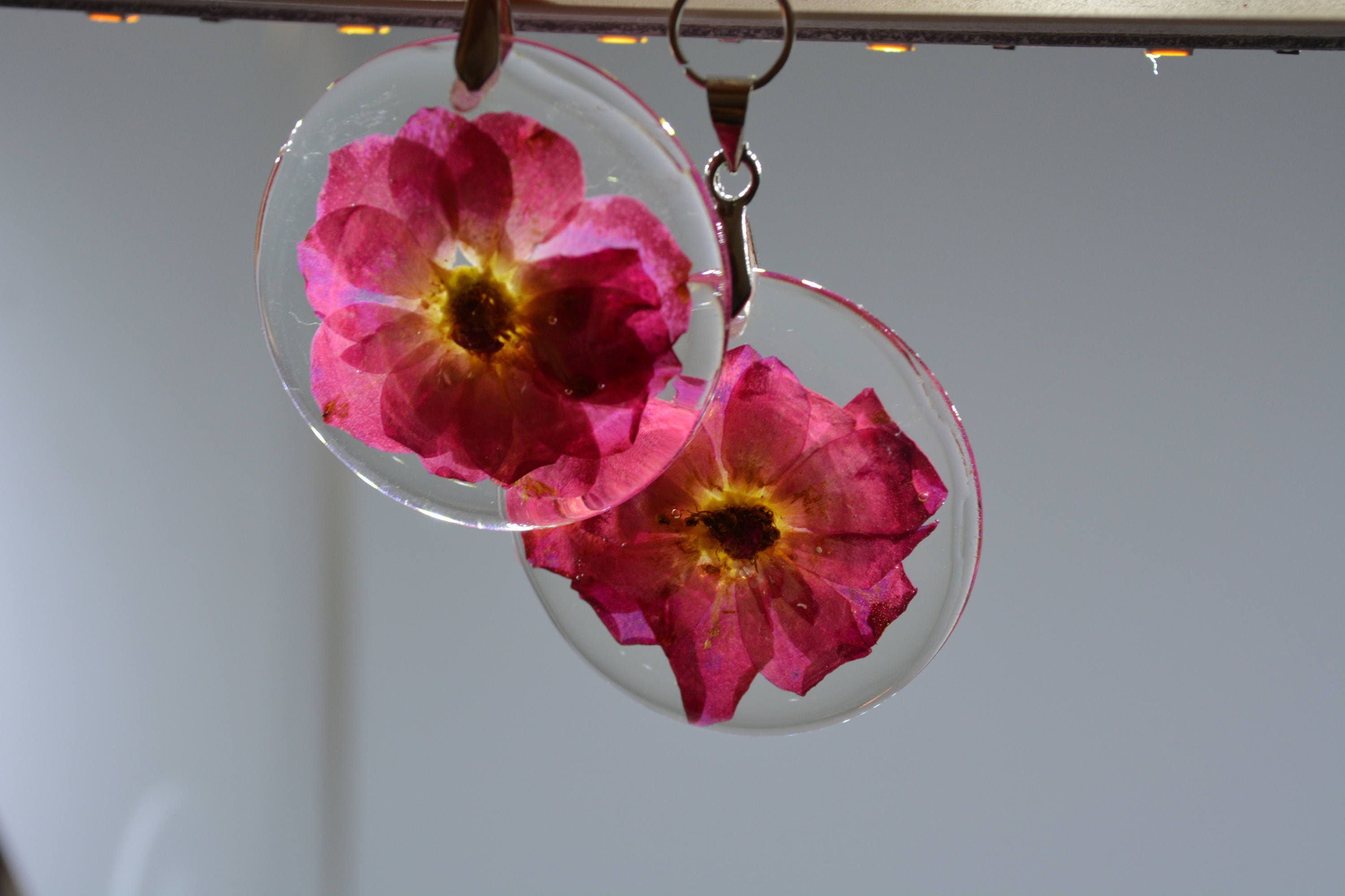 Dangle And Drop Pressed Flowers Resin Earrings Terrarium # Terrarium Dangle