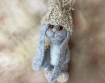Needle Felted Rabbit 17 cm , Handmade Animal Bunny, Needle felted Rabbit or Bunny. Handmade.Miniature soft sculpture, felted wild animals
