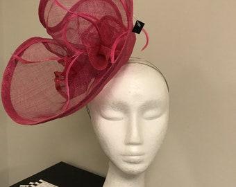 Stunning Fushia Pink fascinator!
