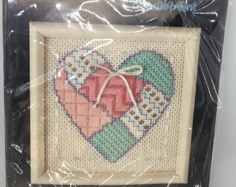 "Dimensions ""Textured Heart"" Needlepoint kit #7128"
