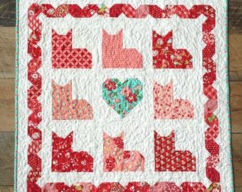 Kitty Love Quilt Pattern, PDF Quilt Pattern, Table or Wall Quilt Pattern, Valentine Quilt Pattern