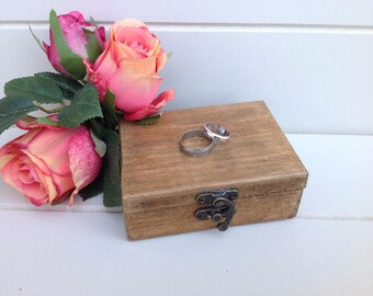 Rustic ring box, wedding ring box, wooden ring box, jewelry box, proposal ring box, ring box, wedding, personalised ring box, pallet wood.