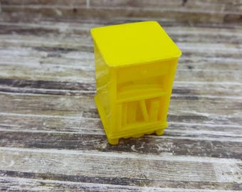 Marx Marxie Mansion Night stand   Bedroom  Fits 3/4 Renwal Hard Plastic Yellow