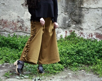 Trousers Gaucho mustard in sweatshirt