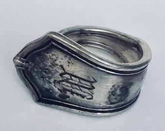 """Classic Ring """"M"""""""