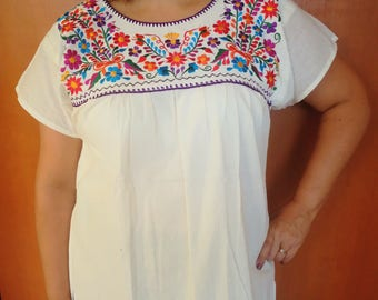 Embroidery mexican MED Blouse, Beige mexican blouse, mexican embroidered  Boho top, Folk flowers