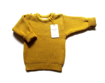 Babies/Children's merino wool sweater with oak buttons/jumper/cardigan/toddlers/pullover/crew neck