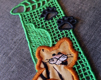 Super Cat Lace Bookmark Green Embroidery