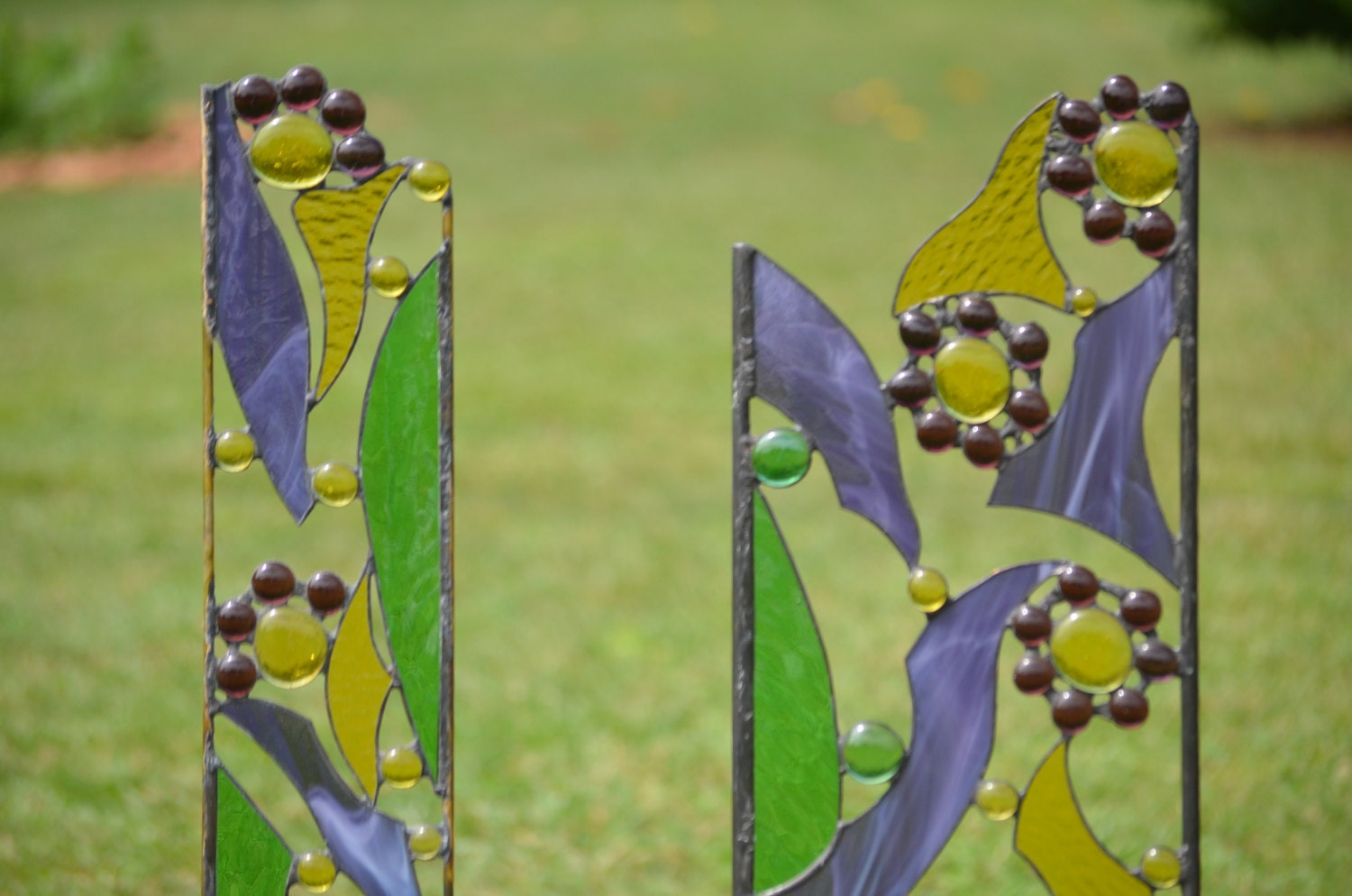 Stained Glass Garden Sculptures Yard Art in Pairs for your
