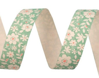Cotton Ribbon with delicate flowers on lime green 16 mm