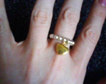 """Stunning """"Heart Of Gold"""" Gold Tone Charm & Silver Tone Bead Stretch Ring"""