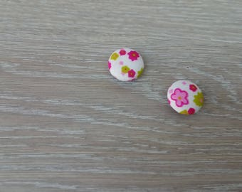 Set of 2 round flower fabric covered buttons