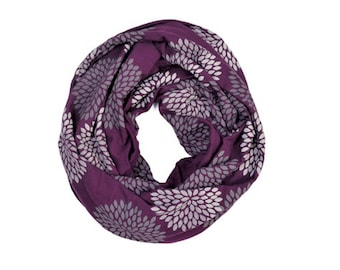 INFINITY SCARF - Gray Double Flowers on Plum