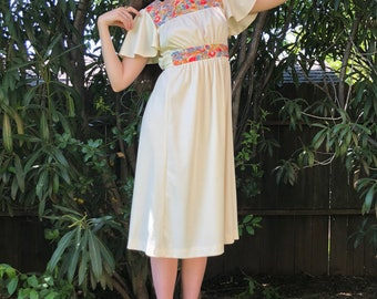 70s Short Butterfly Sleeve Mid Length Off White Wih floral Pattern Dress