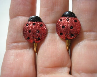 """Play Earring - Clip - Ladybug - Glitter Red - 1/2"""""""