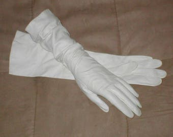 Vintage FRENCH White Kid Leather Formal / Bridal Gloves