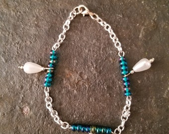 Handmade Iridescent bead and Pearl Bracelet 8in