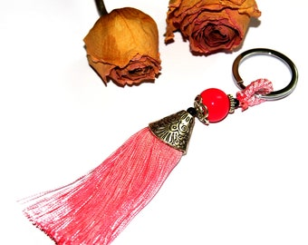 Red silk tassel twisted 15 cm x 2 cm.