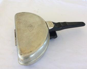 Vintage Mirro Aluminum Folding Omelet Pan Non-Stick Teflon M-1134-55 USA