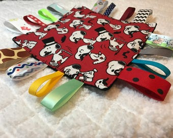 Snoopy Sensory Crinkle Tag Toy