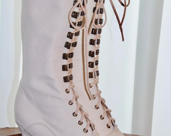 Victorian Boots , Off White leather Booties , Wedding Boots , Ivory Victorian Boots , Bride shoes in Off White leather , Ankle boots