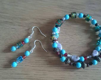 Memory wire bracelet with matching earings