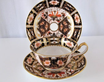 Royal Crown Derby Cup, Saucer and Sandwich/cake Plate Trio, pattern 2451, c1920.  Superb quality